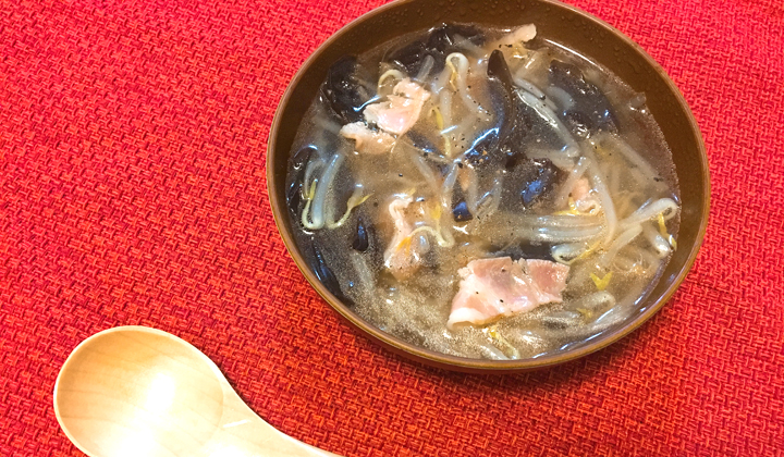 低カロリーで満腹!もやしときくらげで作るコンソメスープ