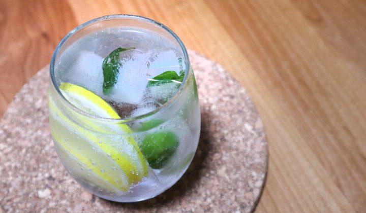 常備必須!便利な冷凍レモンの作り方と清涼感たっぷりドリンクレシピ