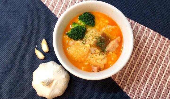 """にんにくLOVEさん必見!スペイン風にんにく""""マシマシ""""スープのレシピ"""