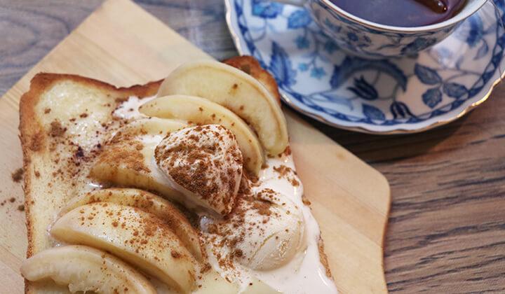 桃をツルッと簡単に剥く!桃とマスカルポーネのはちみつトースト